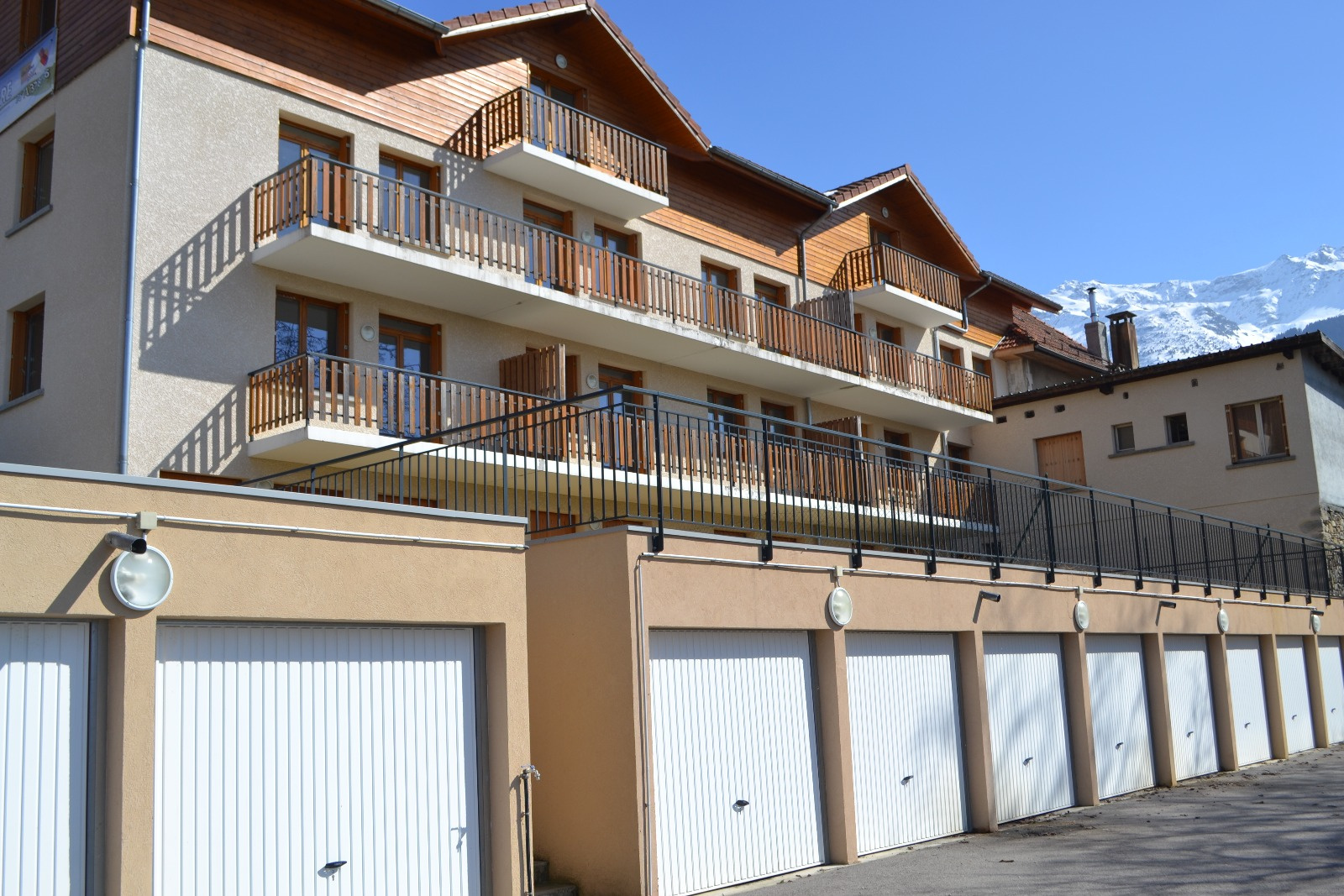 Vente appartement les adrets rhone alpes 213 000 00 for Garage ad bourgoin